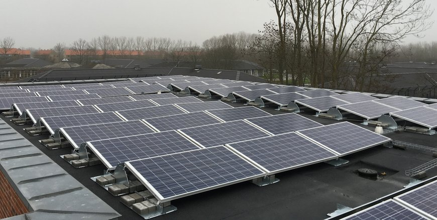 fourLINK - Solar panels on a rooftop